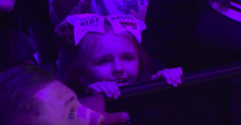 Miranda Lambert Cries After Inviting 8-Year-Old Girl To ...