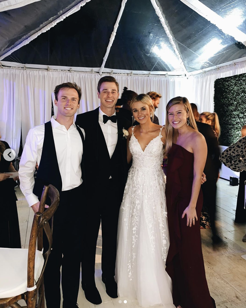 Sadie Robertson Wore 2 Dresses For Her Wedding Guests Share Photos On Social Media Country Music Family